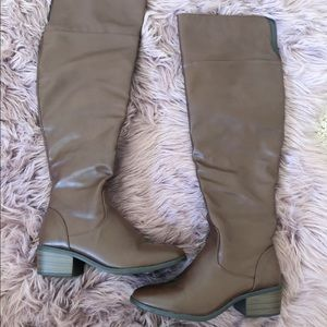 Shoes - Brown Over the Knee boots size 6